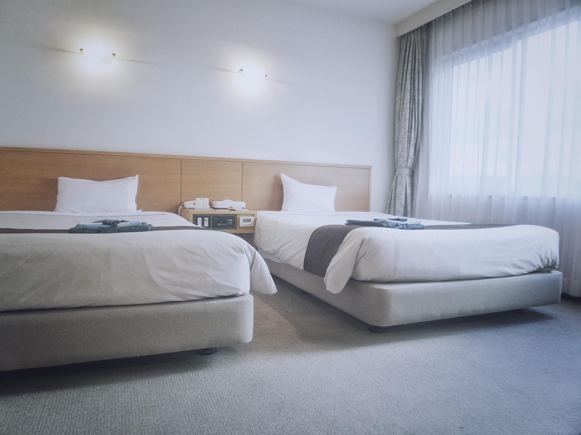 Gardinenwäsche im Hotel
